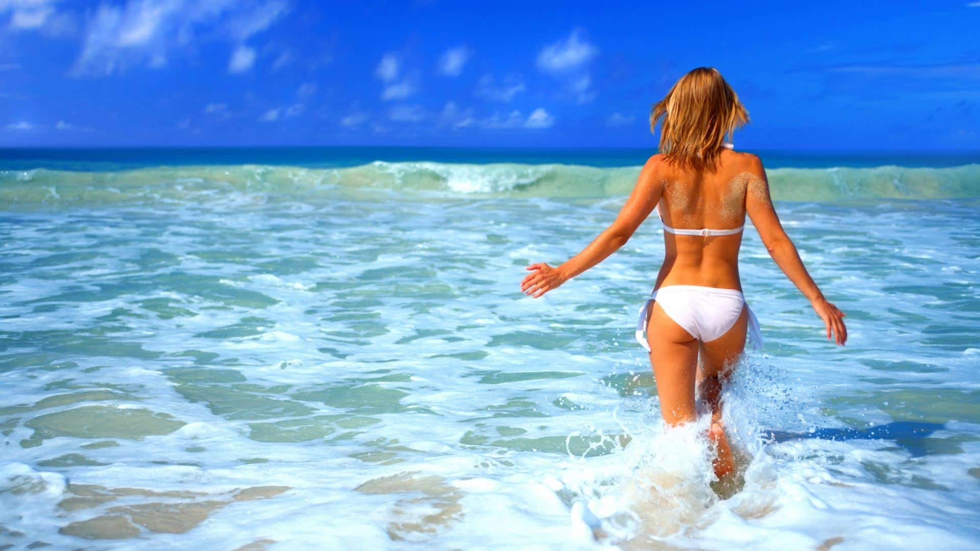 bikini_wear_sea_run